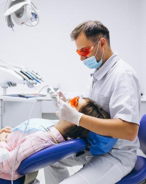 modrostni zob zobozdravnik