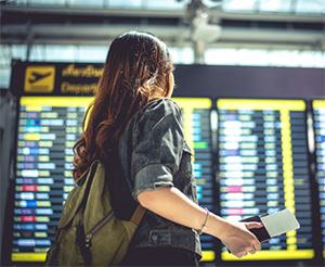 koronavirus letališče pregled